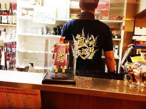 鳥太郎横川店オリジナルフィギュアと店長